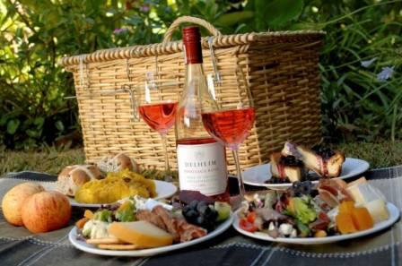 picknickmand fles wijn