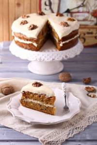 Paula s homemade carrot cake with white frosting anneke schrijft