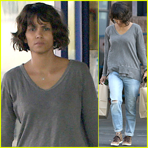halle-berry-looks-fresh-faced-steps-out-solo (1)
