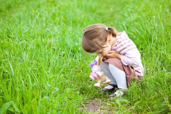 depositphotos_3654208-stock-photo-sad-little-girl