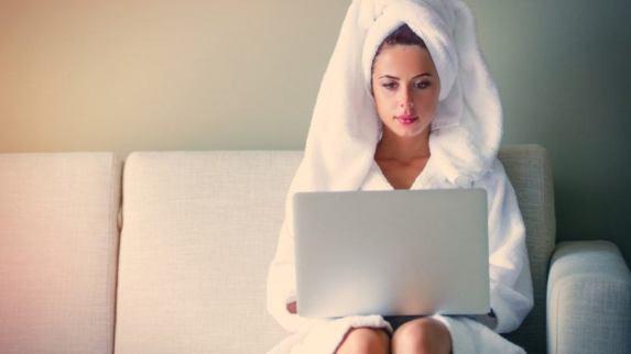 hair-mask-with-coconut-oil-towel-min-810x456.jpg
