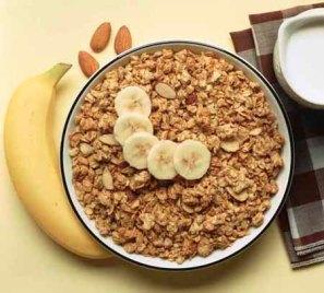 Muesli with almonds and sliced banana